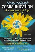 Non-Violent Communication, A Language of Life - Marshall B Rosenberg (ISBN 9781892005038)