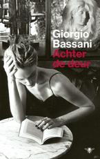 Achter de deur - Giorgio Bassani (ISBN 9789403102603)