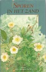 Sporen in het zand - Nel Benschop (ISBN 9789024266814)