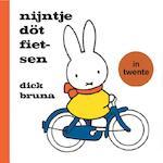 Nijntje döt fietsen in twente - Dick Bruna (ISBN 9789056154103)
