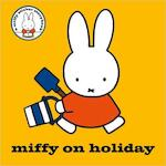 Miffy on Holiday! - Dick Bruna (ISBN 9781471122132)