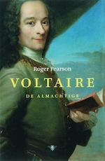 Voltaire de almachtige - Roger Pearson (ISBN 9789023418894)