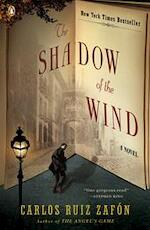 The Shadow of the Wind - Carlos Ruiz Zafon, Lucia Graves (ISBN 9780143034902)