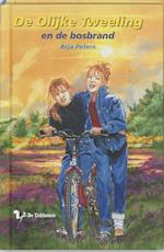 De olijke tweeling en de bosbrand - A. Peters, A.M. Peters (ISBN 9789060565957)