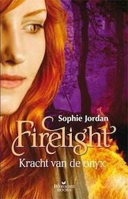 Kracht van de onyx - Sophie Jordan (ISBN 9789020679649)