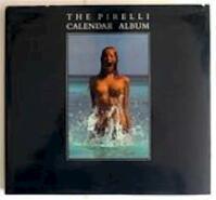The Pirelli calendar album - Michael Pye, Derek Forsyth (ISBN 9781851453498)