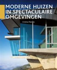 Moderne huizen in spectaculaire omgevingen - C. Paredes (ISBN 9789057644108)