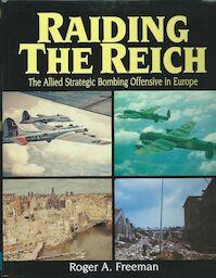 Raiding the Reich - Roger Anthony Freeman (ISBN 9781854093875)