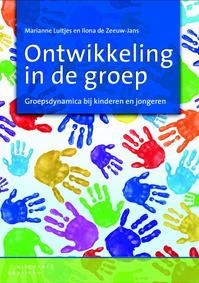 Ontwikkeling in de groep - Marianne Luitjes, Ilona de Zeeuw-Jans (ISBN 9789046902493)